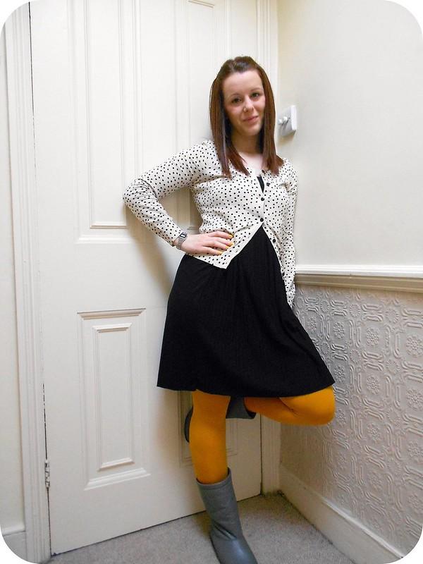 Outfit: mustard and polka dots