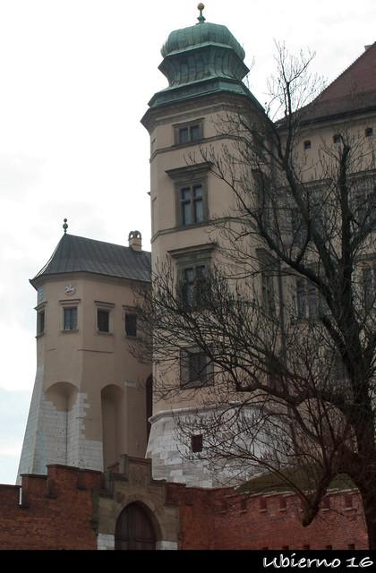 Hen's Foot tower
