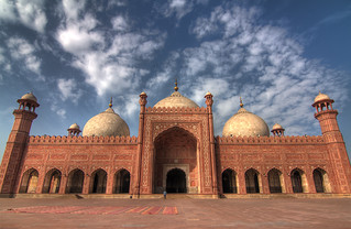 The main prayer hall of the Badshahi Mosque | by viralstile