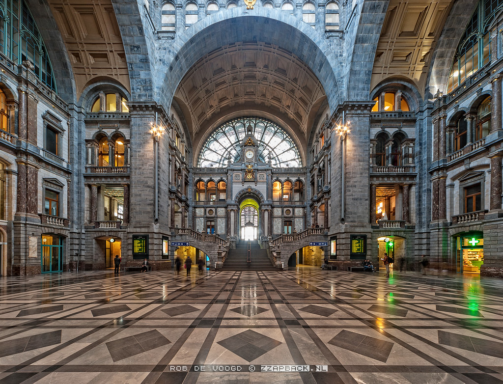 Beauty And The Harpsichord Portal Antwerpen Centraal Station By Rob De