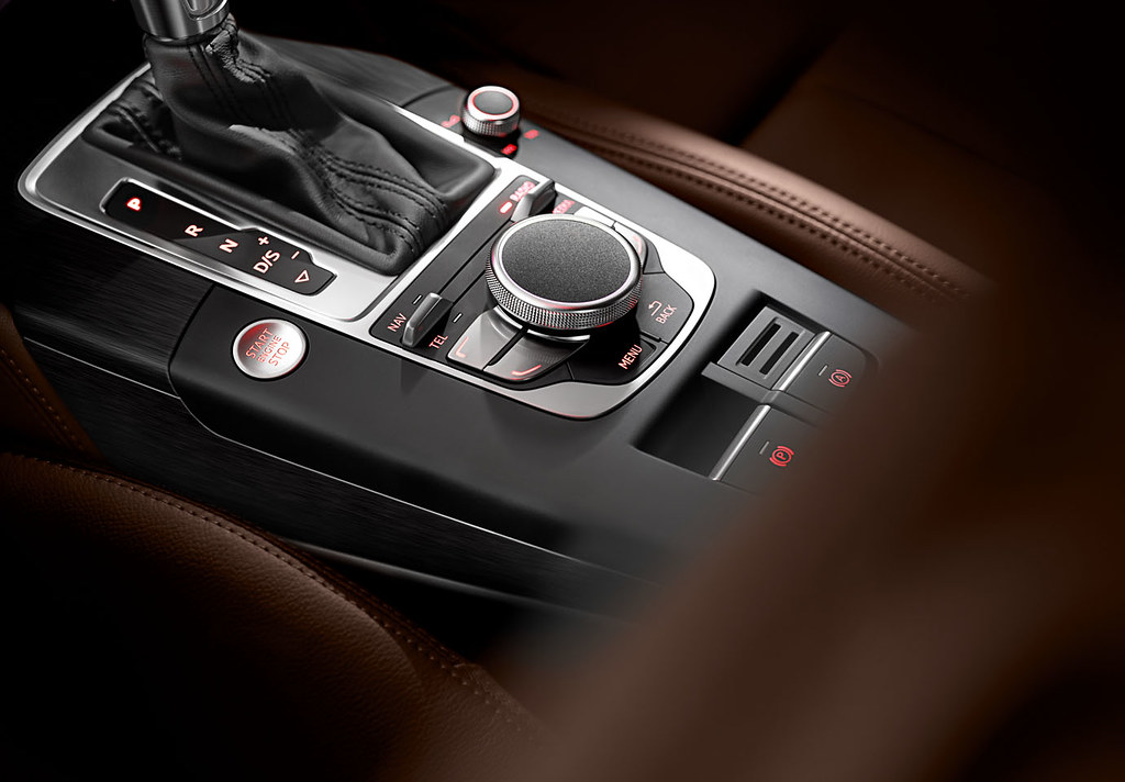 New Audi A3 MMI Control | Hand writing recognition on top of