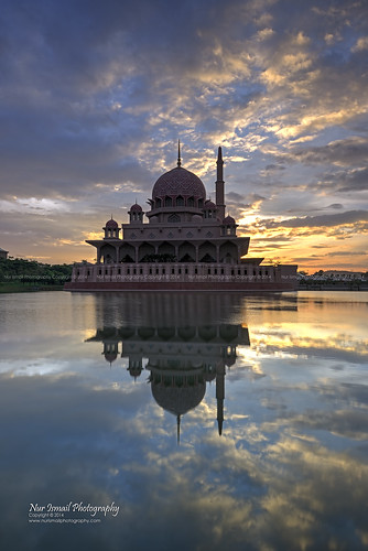 reflection clouds sunrise cloudy putrajaya hdr placeofworship mirrorreflection putramosque hdrphotography masjidputra putrajayalake sifoocom nikond800e nurismailphotography nurismailmohammed nurismail