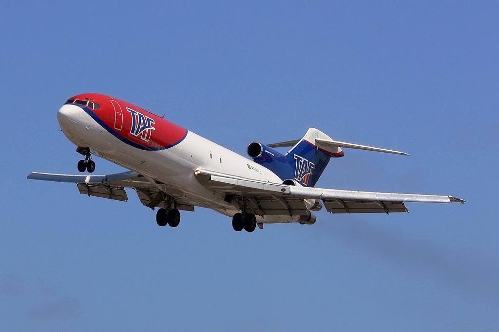 Boeing 727-200F TAF Cargo. Recife