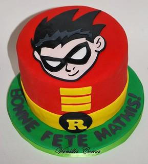 Outstanding Robin Birthday Cake Claudia Vanillaandcocoa Com Claudia Personalised Birthday Cards Vishlily Jamesorg
