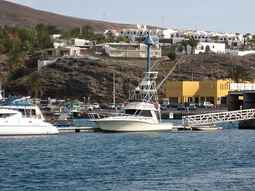 Harbor in Morro del Jable towards the village | by Invvigren