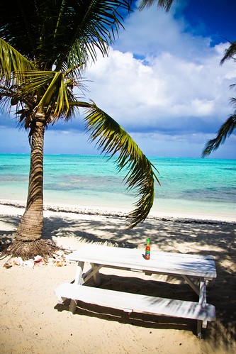 travel blue sea vacation sky beach table lunch restaurant picnic dramatic palm hotsauce turkscaicos turksandcaicos tci