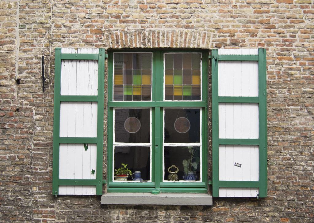 La finestra le finestre a volte non hanno imposte si for Imposte finestre