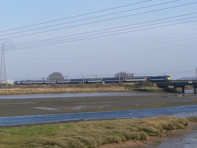 GA 90007 propels the 1P38 1500 London Liverpool Street to Norwich service over Cattawade bridge 29-03-14 (explored)