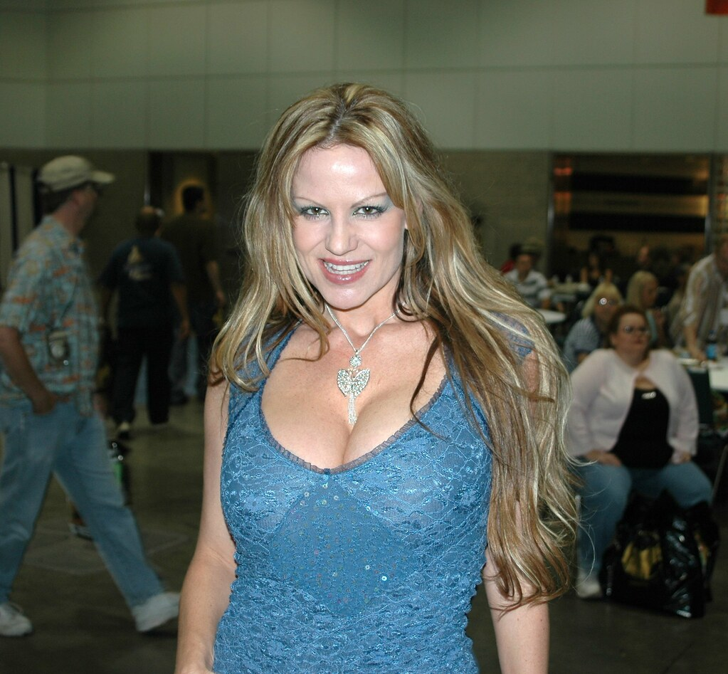 Kelly Madison posing for me at the 2005 Erotica LA convent
