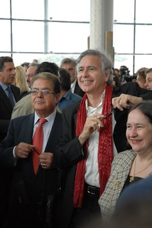 Bernard Tschumi at the New Acropolis Museum | by elginism