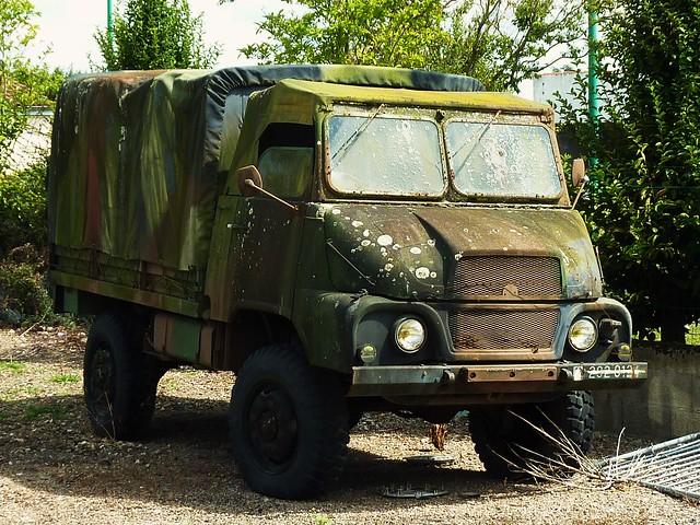 vieux camion militaire la roche sur yon
