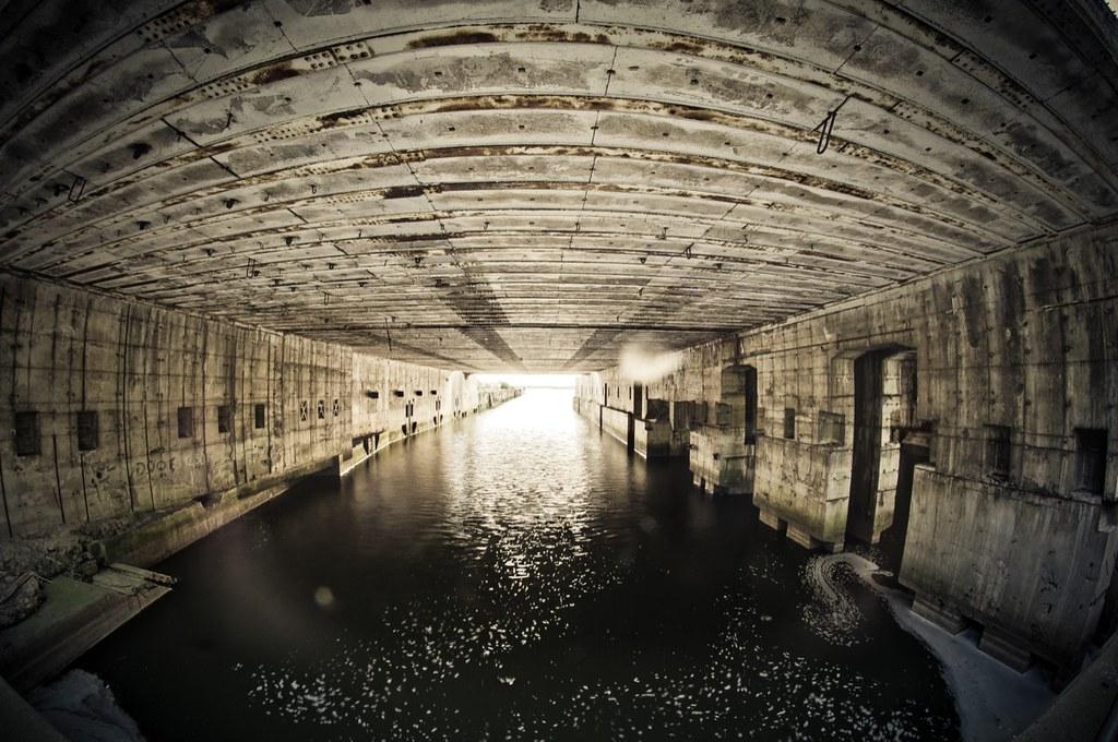 Einblick U-Boot-Bunker Hornisse   de wikipedia org/wiki/U-Bo