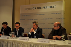 """180412 Podium BlumentPodium Friedrich-Naumann-Stiftung in Kiel """"Alles möglich, keine Grenzen - Das Urheberrecht in der digitalen Welt""""hal FNF Kiel 2"""
