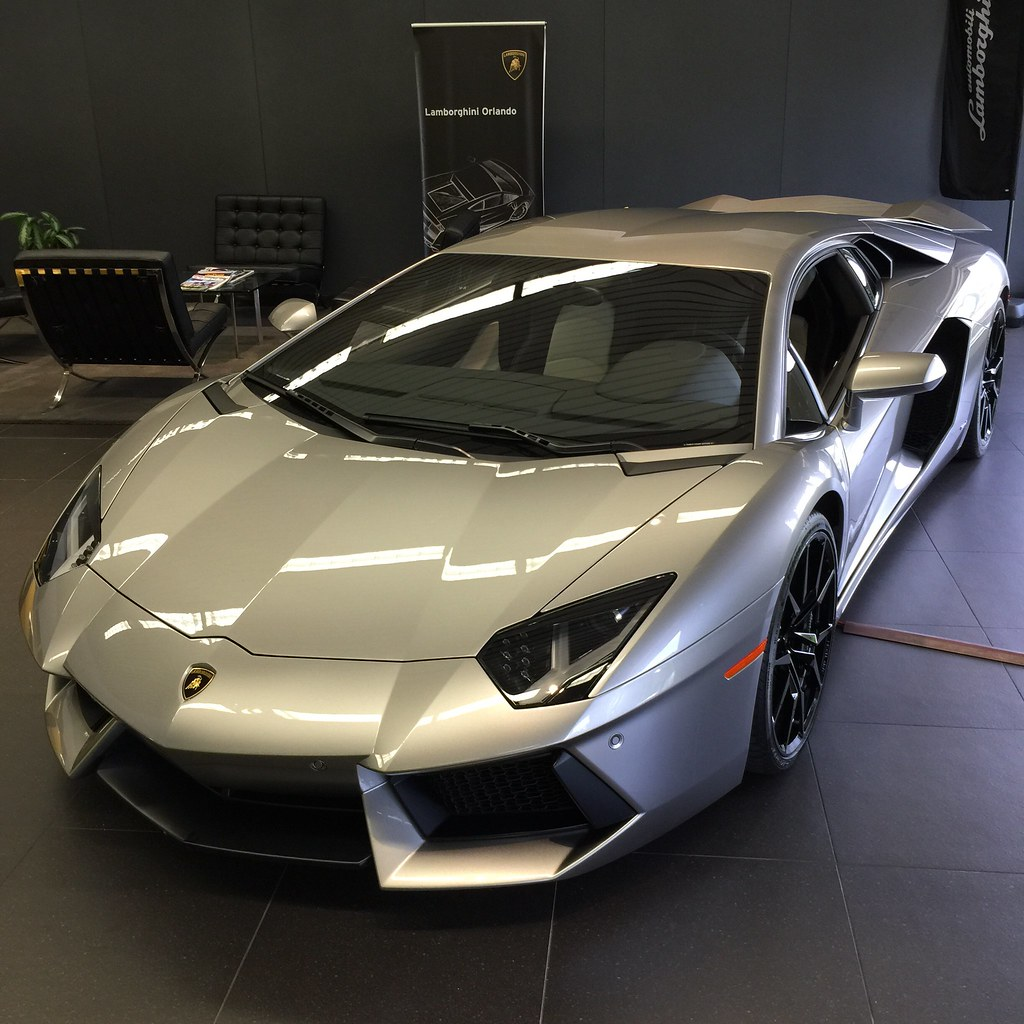 Lamborghini exotic car wrap removal | Lamborghini car wrap ...