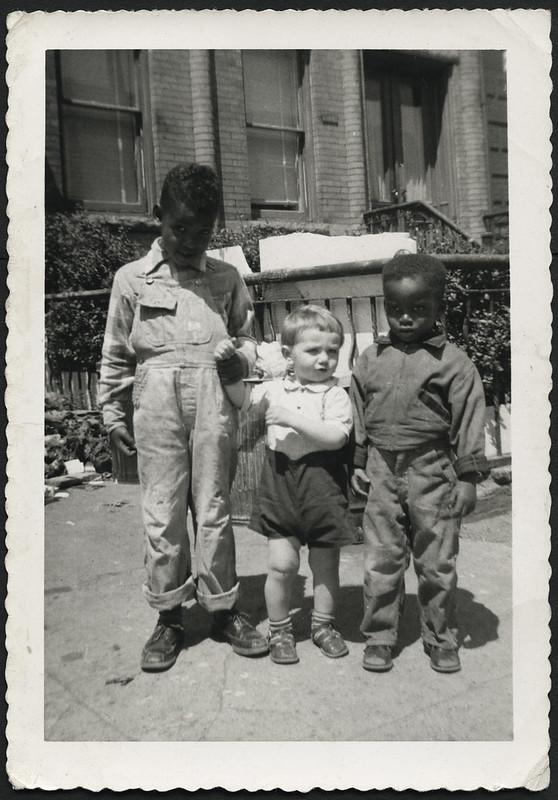 Archiv B238 Drei Jungen, USA, 1940er