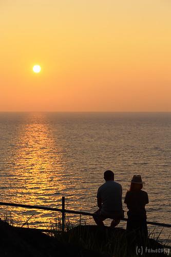 japan nagasaki hirado 長崎 平戸 平戸大橋 夕陽 sunset woman silhouette lovers couple ikitsuki island 生月島 生月農免農道 生月島サンセットウェイ road sunsetway
