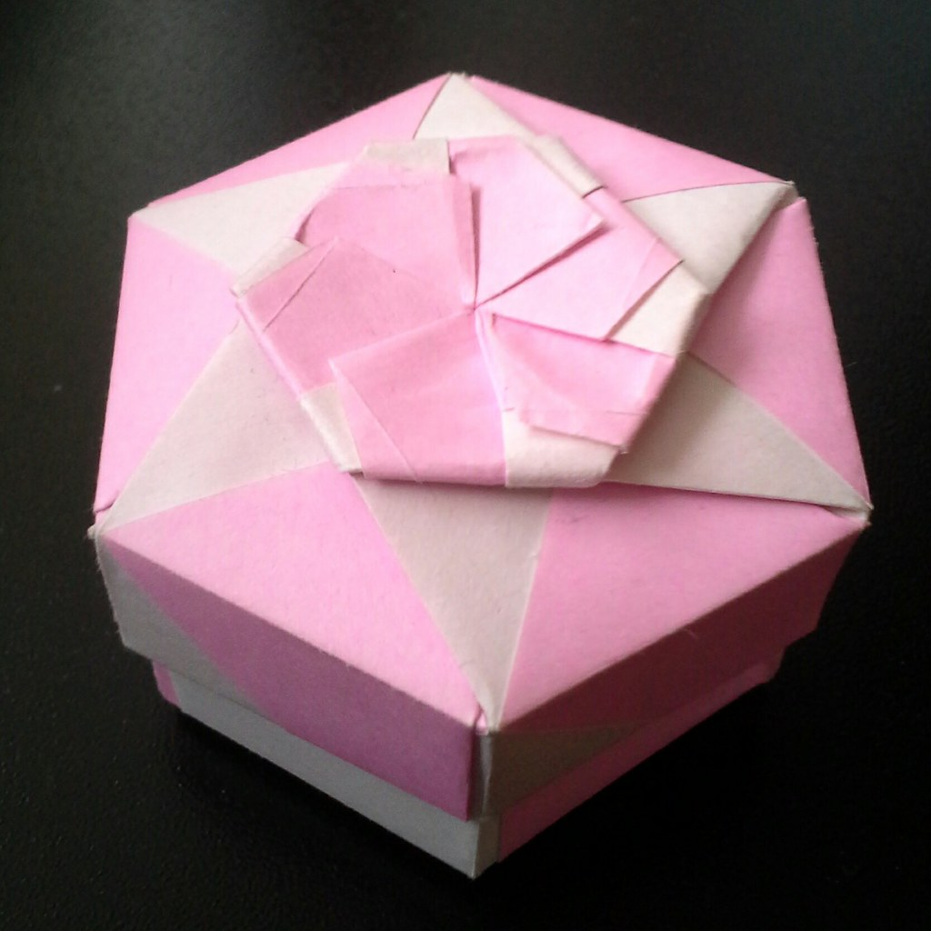 Octagonal box | Paper: 7 cm Modules: 8 + 8 for box and lid ...
