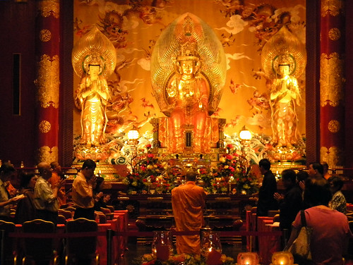 golden deities in a Chinese temple