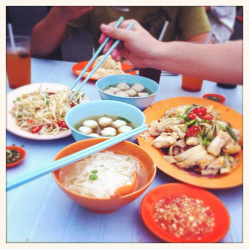 Ipoh Chicken rice pitstop before we head home. | by qwazymonkey