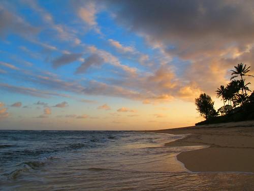 beach sunrise hawaii sand oahu northshore 2012 morningwalk sunsetpoint 1bluecanoe