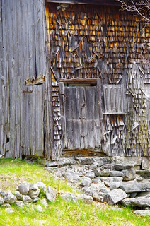 Old Corner Entry | by mainebarns