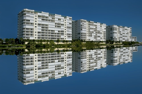 2005 urban usa reflection building florida highrise titusville condominium nikond3200 sunshinestate spacecoast jorgemolina 7indianriveravenue mriarchitecturalgroupinc harborpointecondominium