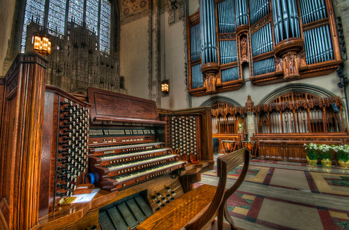 music chicago college church campus religious high nikon university dynamic sigma chapel organ rockefeller 1020mm range hdr d90