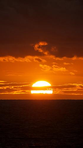 sunset sea japan evening holidays hokkaido 北海道 日本 facebook urakawa 2011 tomakomai 浦河 fotopedia lumixgvario100300f4056 lifeinjapan20102012