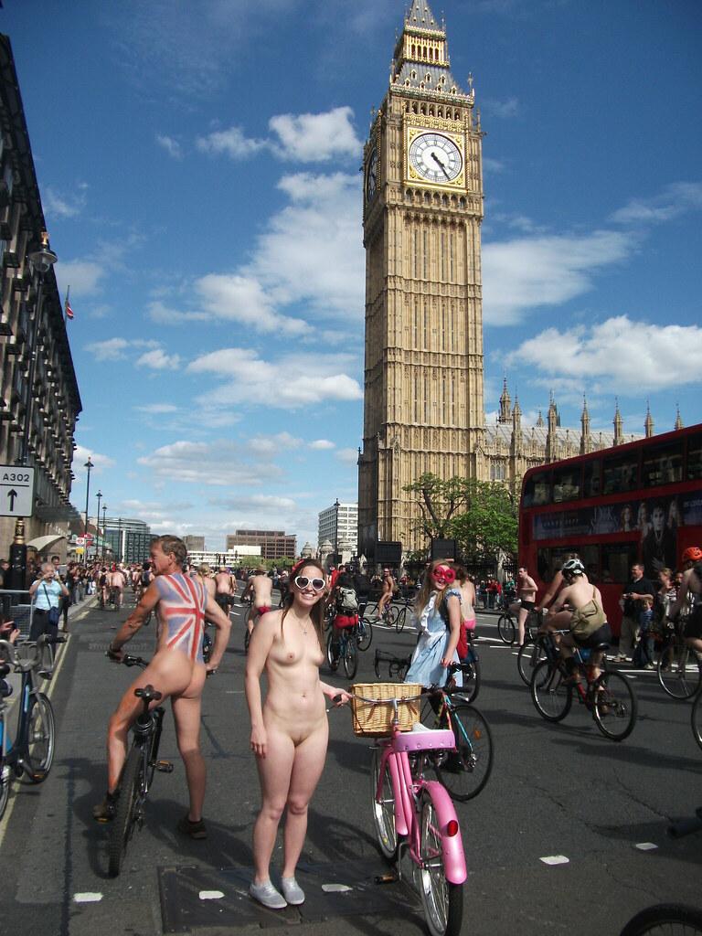 Rita Ora Shows Off Her Nude Tits In London