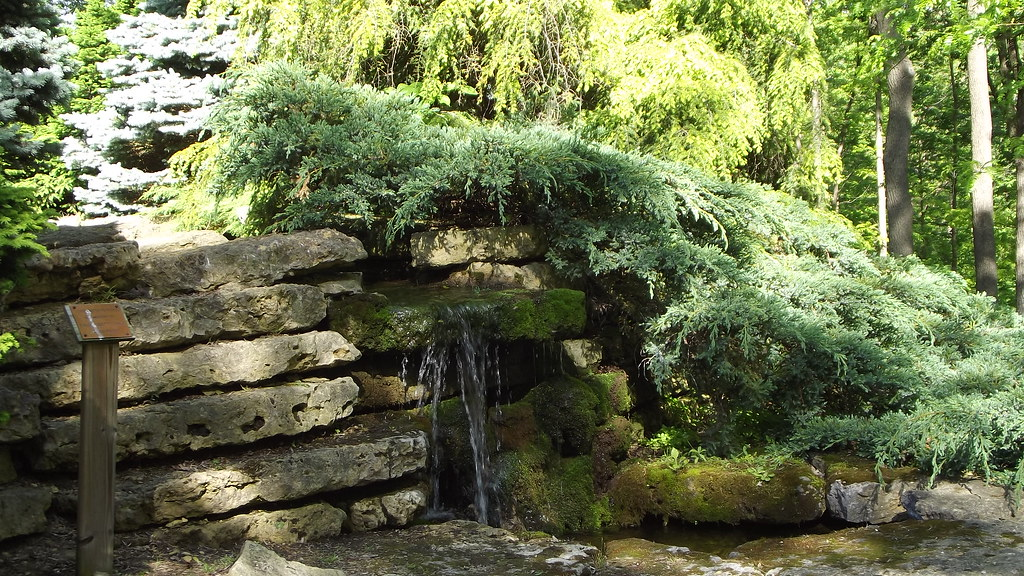 Waterfall i dubuque arboretum and botanical garden - Dubuque arboretum and botanical gardens ...
