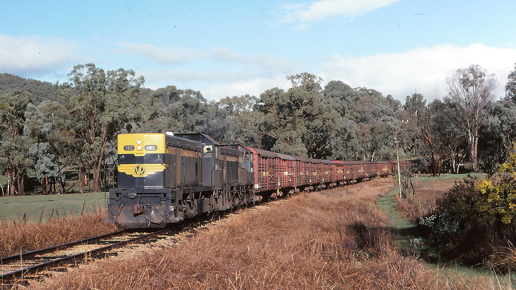 VR_BOX031S17 - T412, Y109 at Gapstead by michaelgreenhill