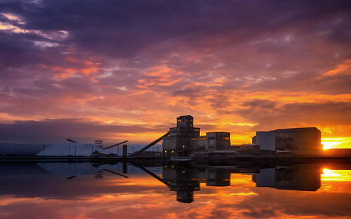 california ca sunset train colorful fremont bayarea pointandshoot newark dirtywindows