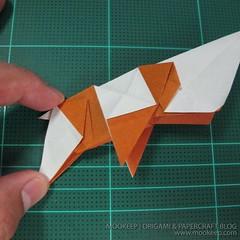 วิธีพับกระดาษเป็นรูปหมี (Origami Bear) 029