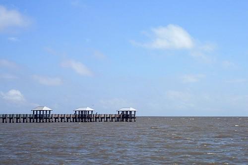 beach gulfofmexico water mississippi waveland pier baystlouis