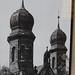 Velká synagoga poničená kulkami na jedné ze starých fotografií, foto: Petr Nejedlý