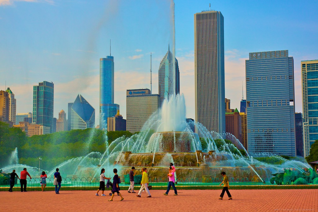 buckingham fountain, International Attractions In Chicago