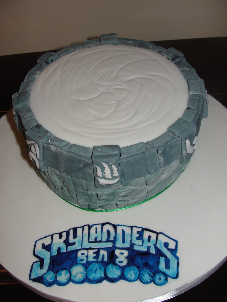Terrific Skylanders Portal Of Power Birthday Cake Anges Cakes Personalised Birthday Cards Veneteletsinfo