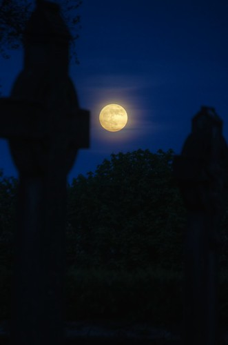 'Super Moon' Over the Cemetery | by bbusschots