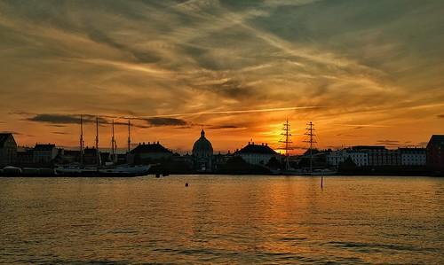 sunset silhouette copenhagen københavn marmorkirken amalienborg frederikskirken silhuet sejlskibe