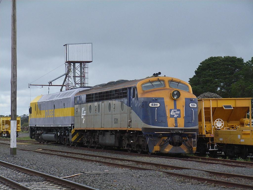 S311 and RL310 shutdown at Maroona on an ARTC ballast train by bukk05