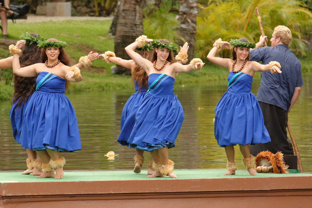 Polynesian Cultural Center - Canoe Pageant