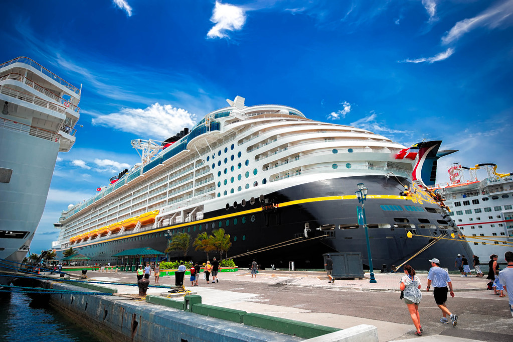 Top 5 Cruise Offers on Singapore Cruise Packages