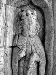 15th Century king (possibly St Edward)