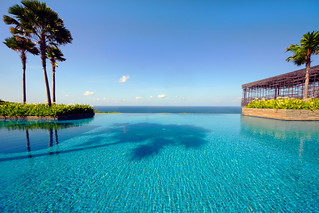 Infinity Pool at Uluwatu | by Vin Crosbie
