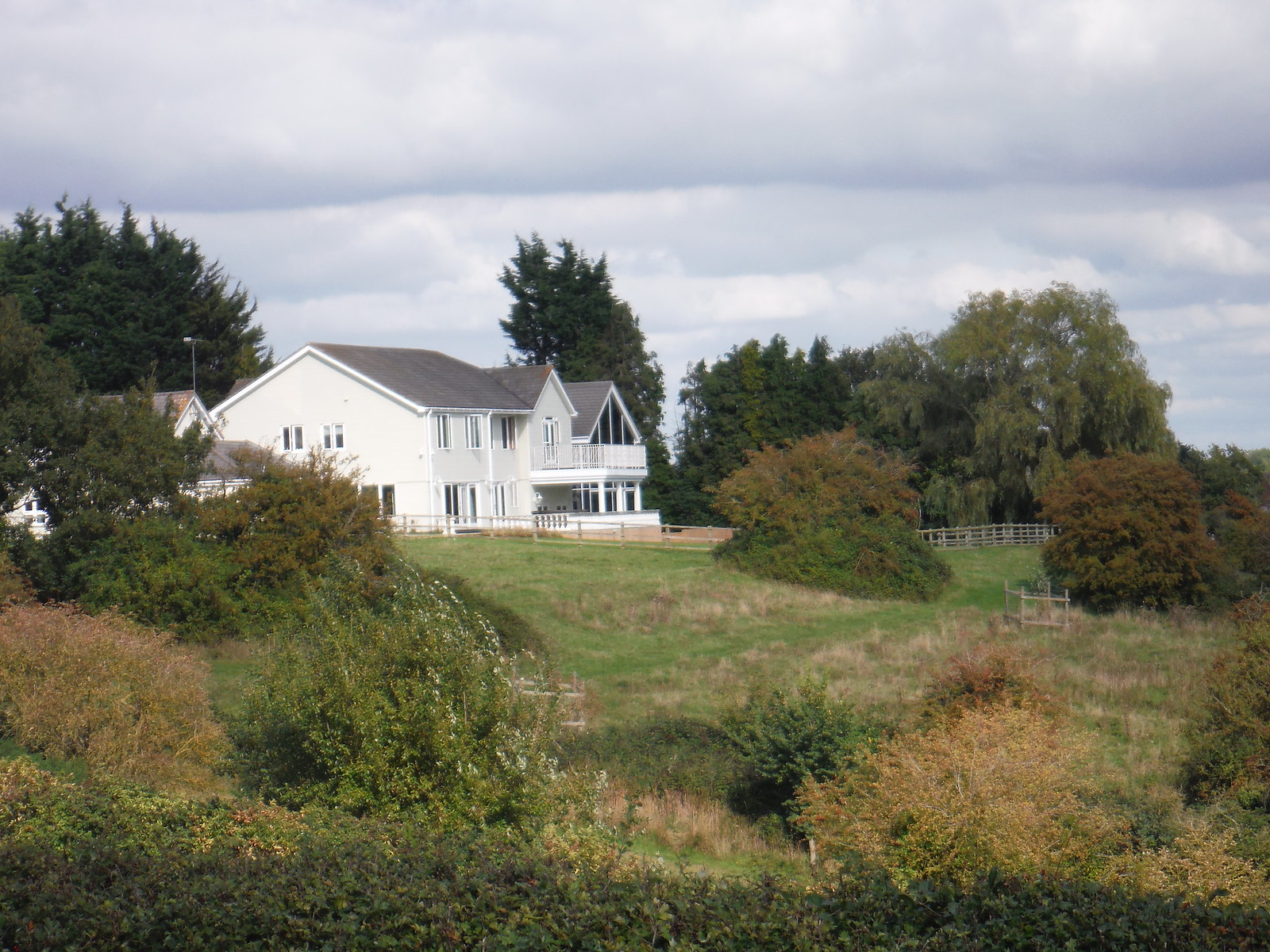 Rather Large House with Grand Views (Pulloxhill) SWC Walk 230 Harlington to Flitwick