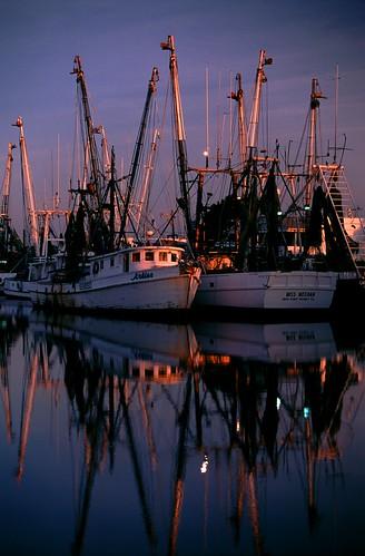 tarponsprings shrimpboats tarpon springs shrimp boat sunrise 1996 florida