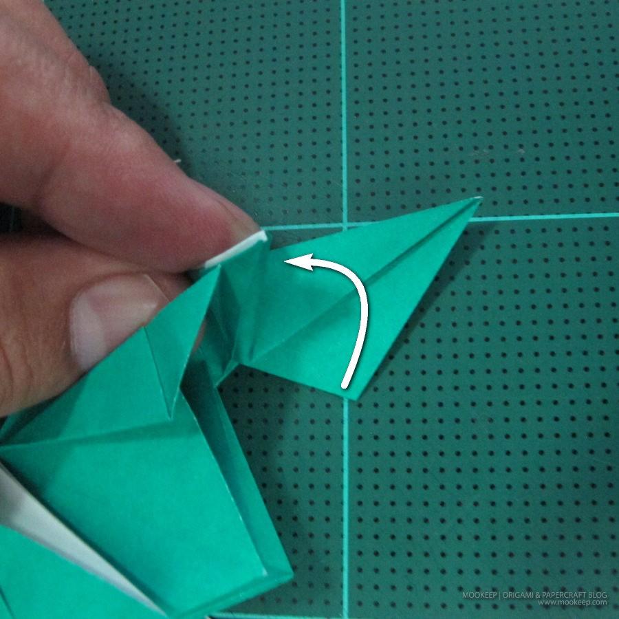 วิธีพับกระดาษเป็นรูปหมู (Origami Pig) 029