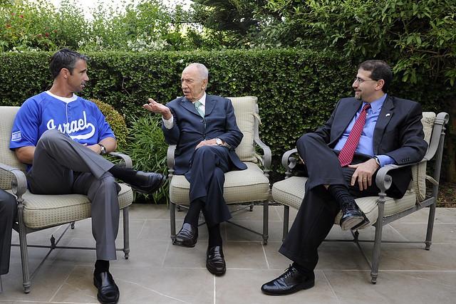 Peres meeting Ausmus_No.049