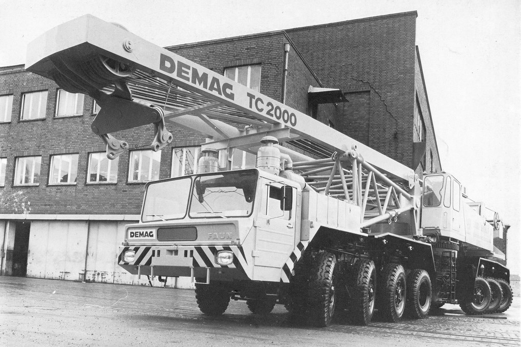 Demag TC 2000 | This powerful shot of the Demag TC 2000 is o… | Flickr