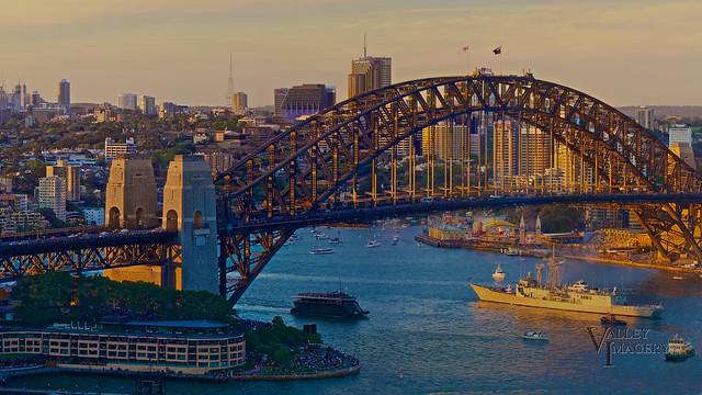HMAS Sydney returning home